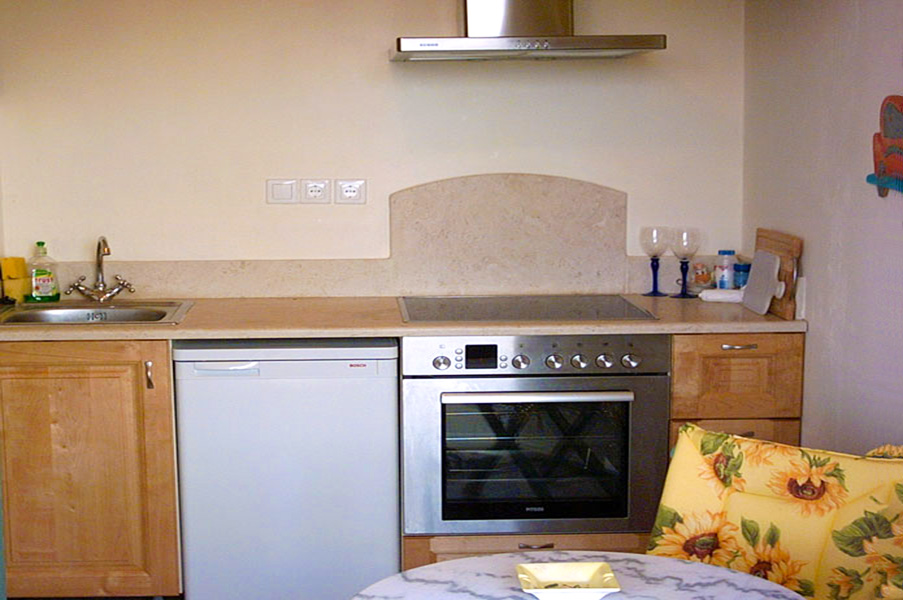 Apartment B - kitchen and dining area