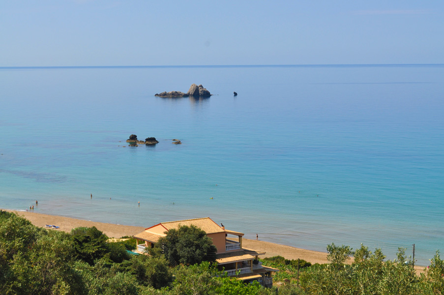 holiday house �TOLIS� directly on the beach